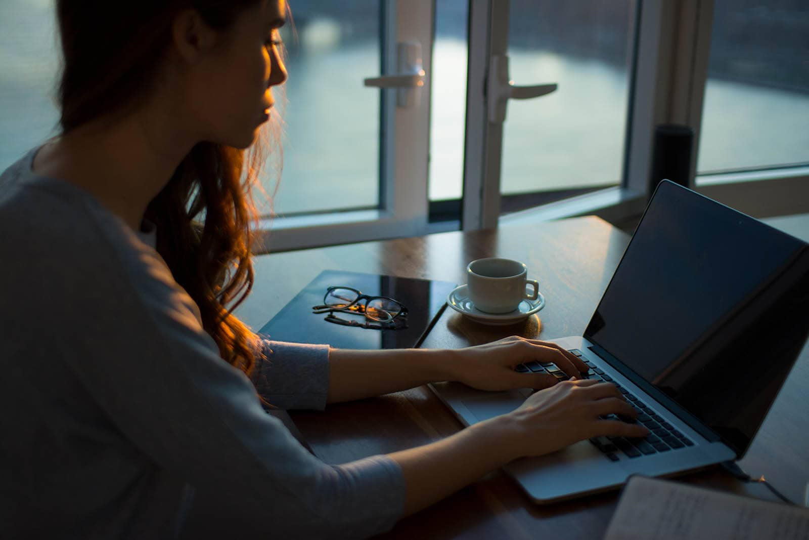 Chcesz pisać dłuższe teksty bez rozpraszania? Sięgnij po jedną z tych aplikacji 56
