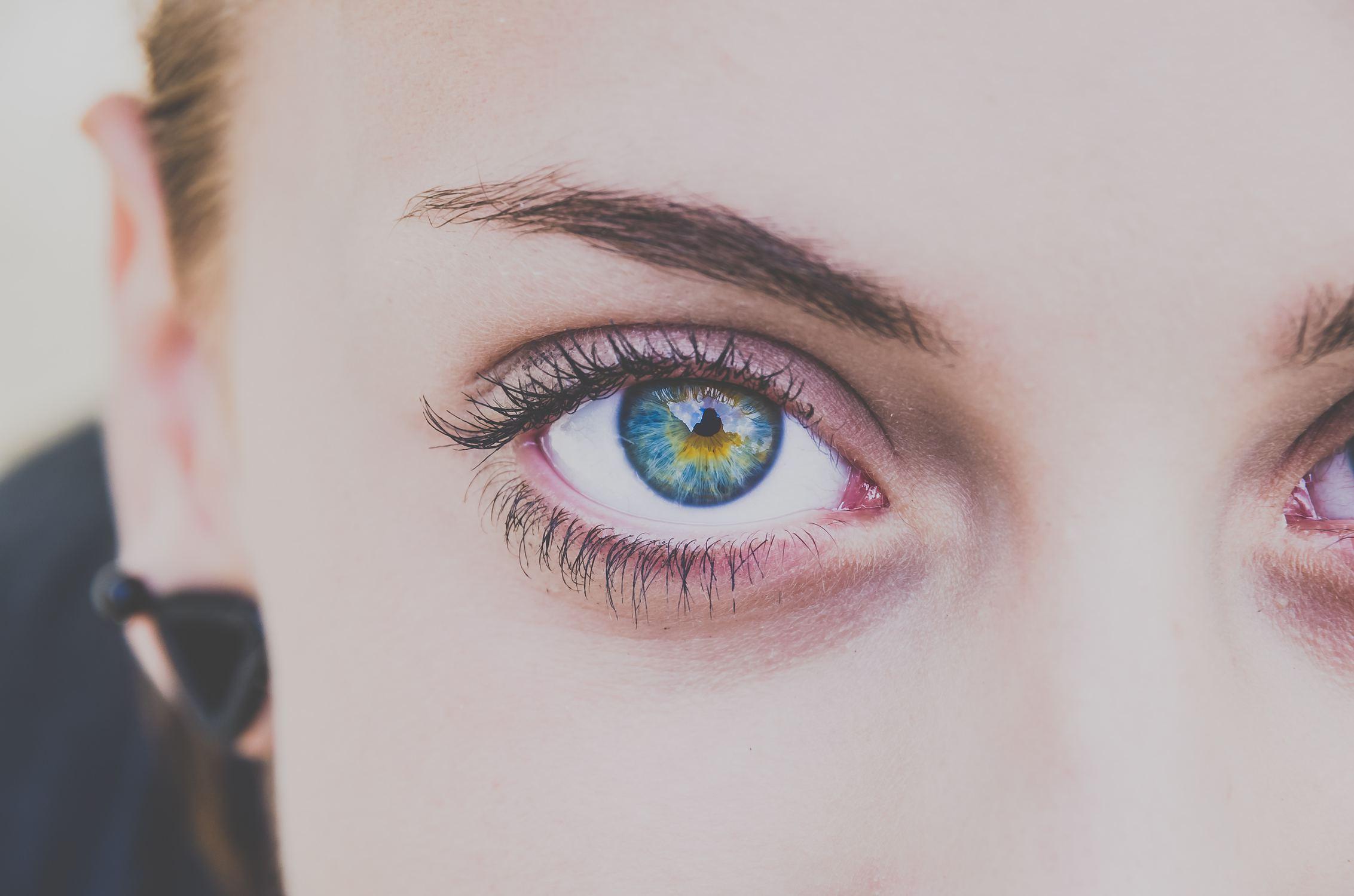 kłamca oczy kłamcy
