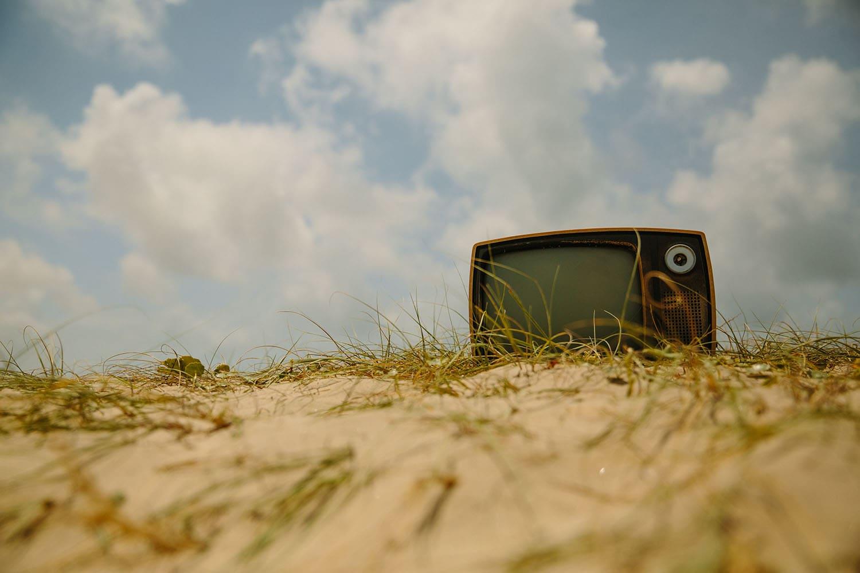 Co z tego, że nie oglądasz w ogóle telewizji, skoro ten cały syf dociera do Ciebie innymi kanałami? 16