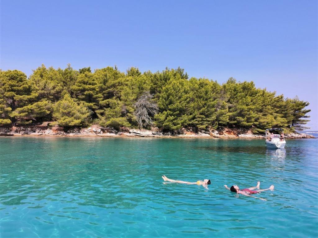 Pływanie w zatoce Chorwacja