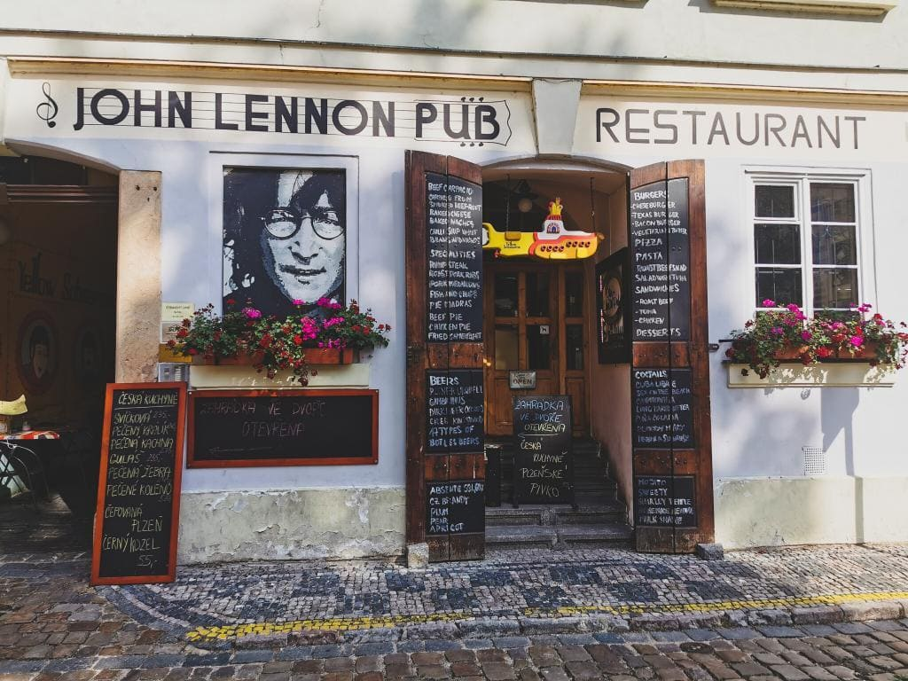 John Lennon Pub Praga