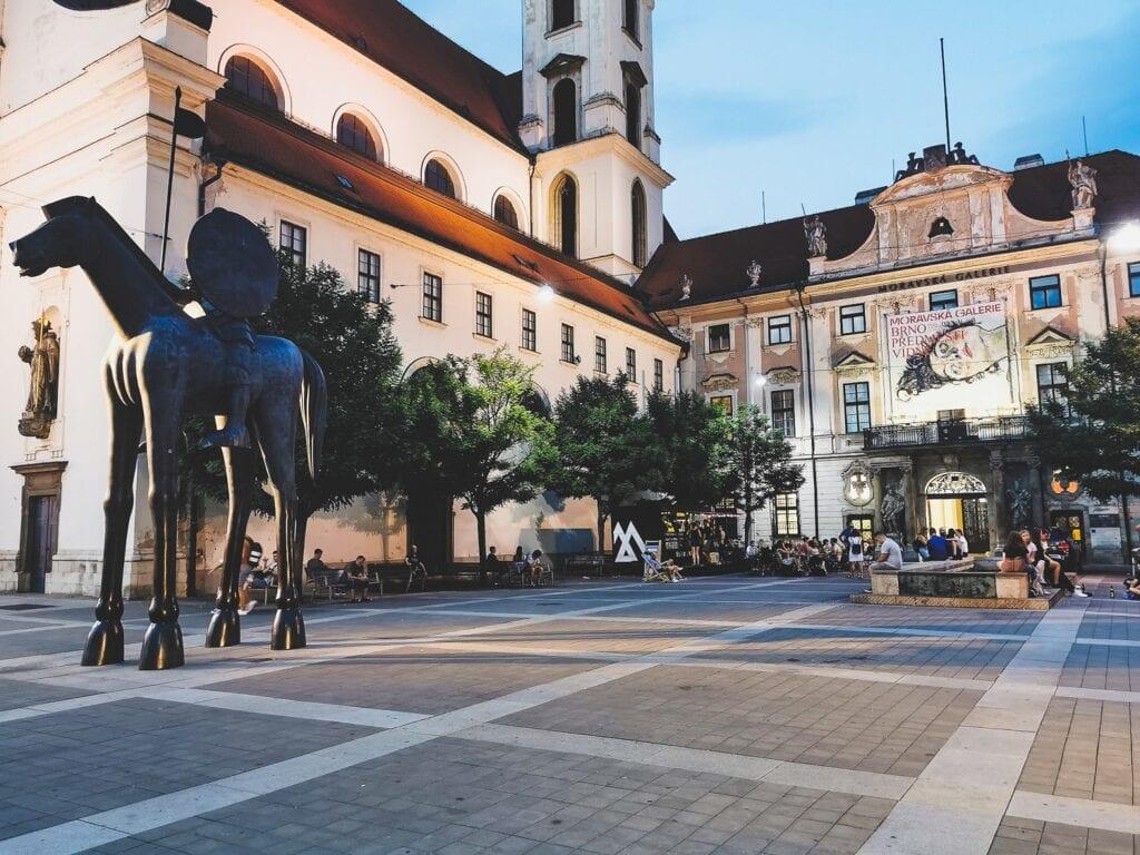 Brno pomniki kamieniczki